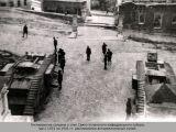 Гитлеровские солдаты у стен Свято-Успенского кафед