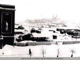 Вид на костел со стороны здания городского универм